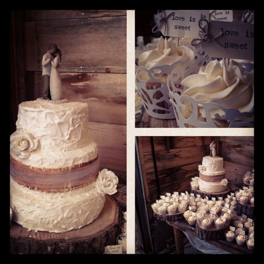 Rustic Wedding Cakes With Burlap  Rustic Wedding Cake Adorned With Burlap Made From Fondant