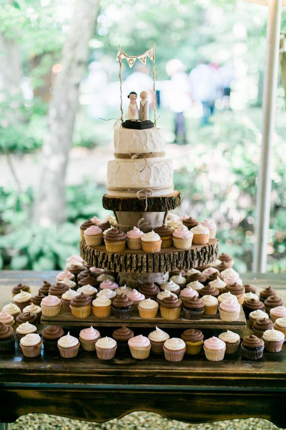 Rustic Wedding Cakes With Cupcakes  rustic country wedding cupcake with tree stump stand