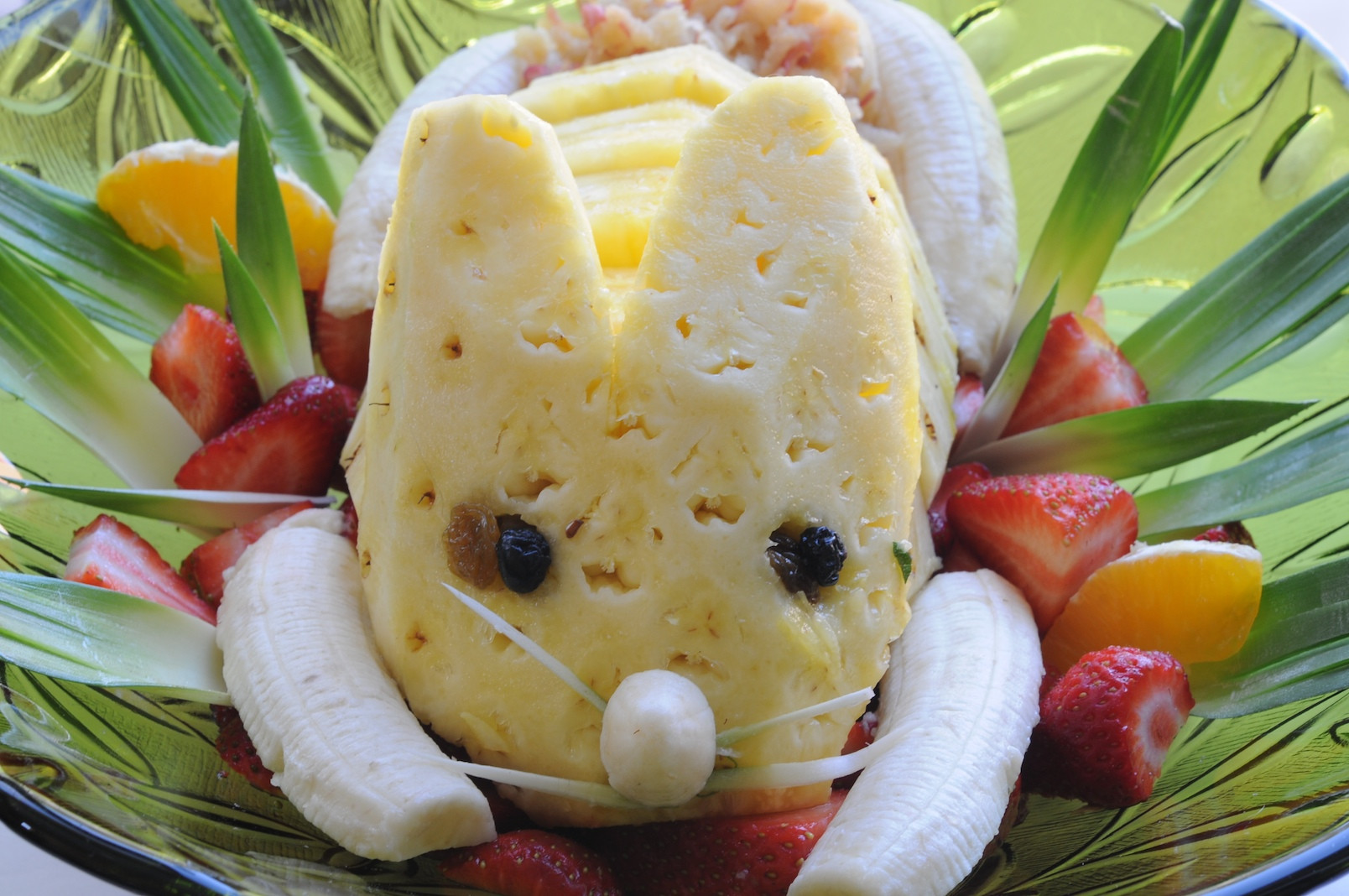 Salads For Easter  Fruit Salad Recipe For Kids With Custard In Urdu that