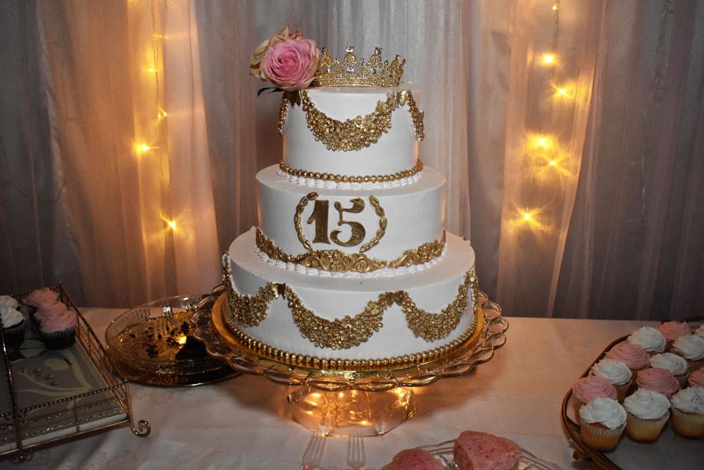 San Diego Wedding Cakes  San Diego DJs