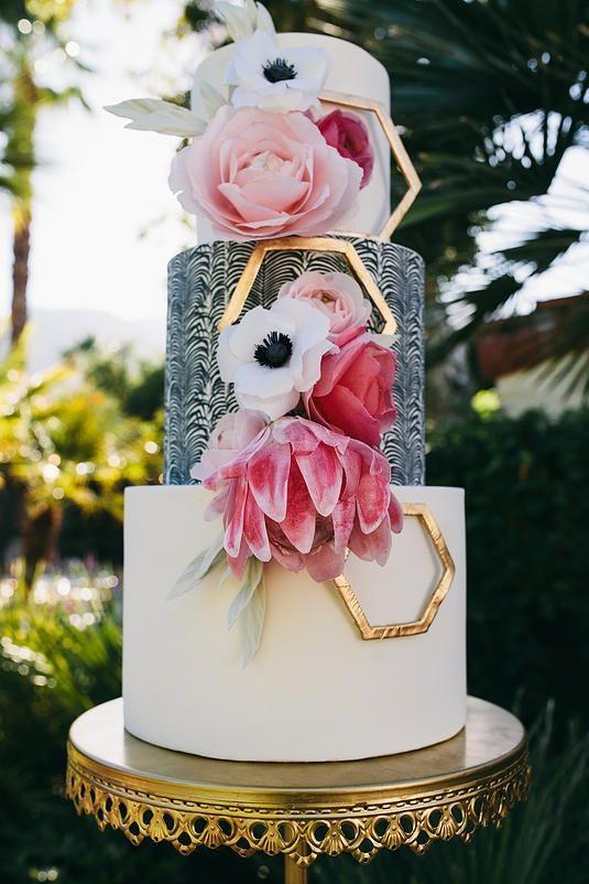 San Diego Wedding Cakes  Dramatic Wedding Cake 2015 Wedding Cake Trends