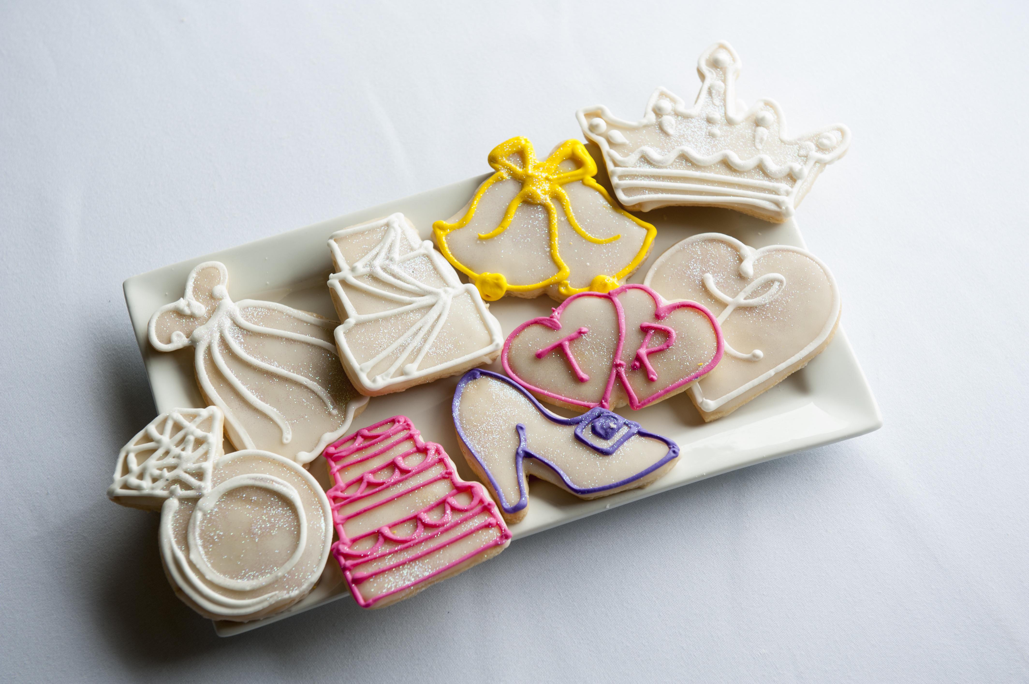Schnucks Wedding Cakes  pies