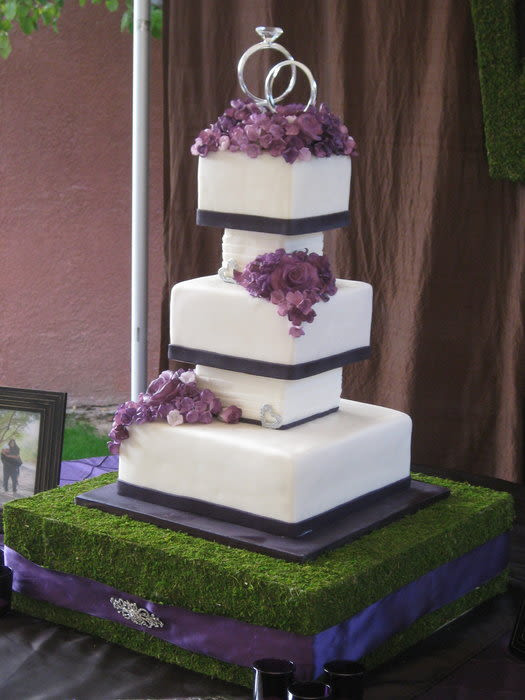 Seperate Tier Wedding Cakes  Separated tier wedding cake Cake by sking CakesDecor