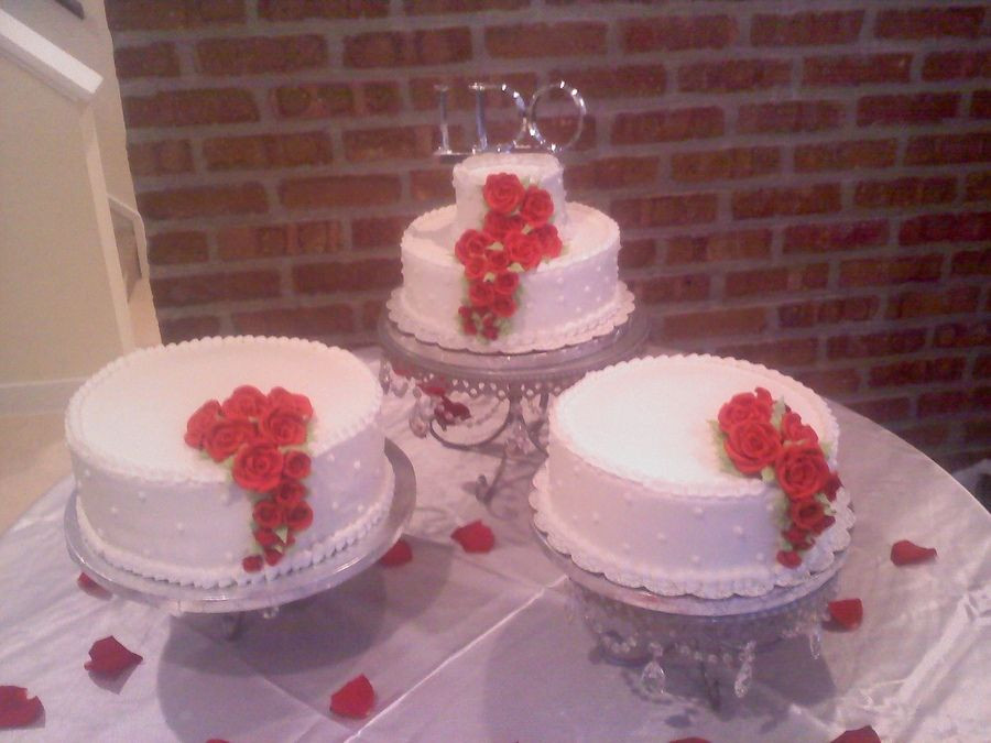 Seperate Tier Wedding Cakes  separate wedding cakes