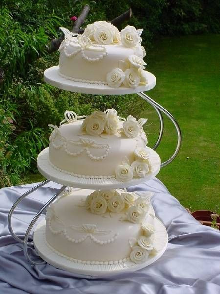 Seperate Tier Wedding Cakes  170 best images about Wedding cakes seperate tiers on