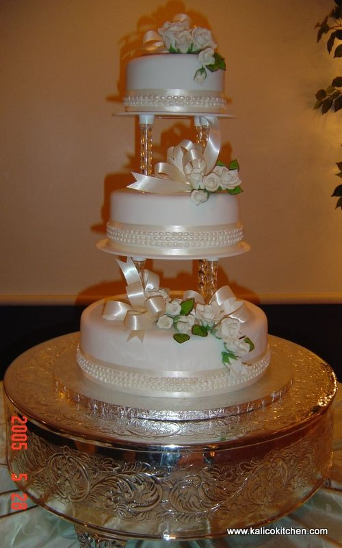 Seperate Tier Wedding Cakes  Separate tier wedding cakes idea in 2017
