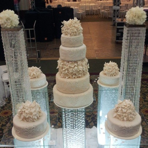 Seperate Tier Wedding Cakes  1000 images about Separate tier wedding cakes on Pinterest