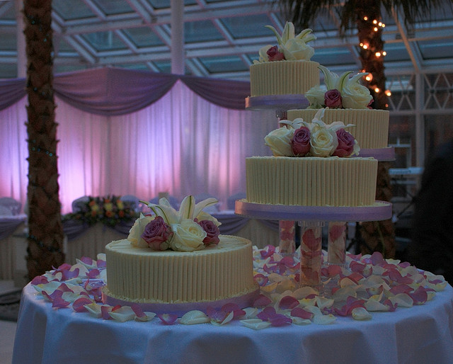 Seperate Tier Wedding Cakes  Separated Tier Wedding Cakes