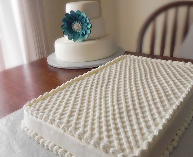 Sheet Cake Wedding  The three tiered wedding cake and two full sheet cakes