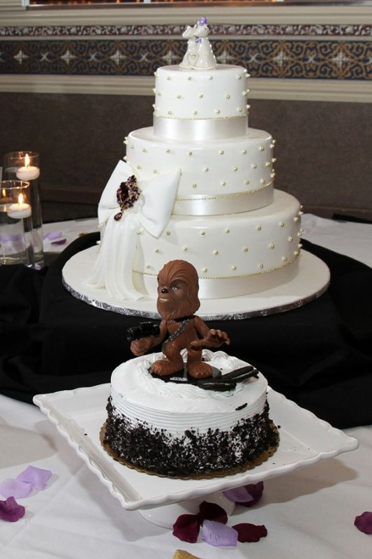 "Show Me Wedding Cakes  Show me your ""Groom s Cake"" Weddingbee"
