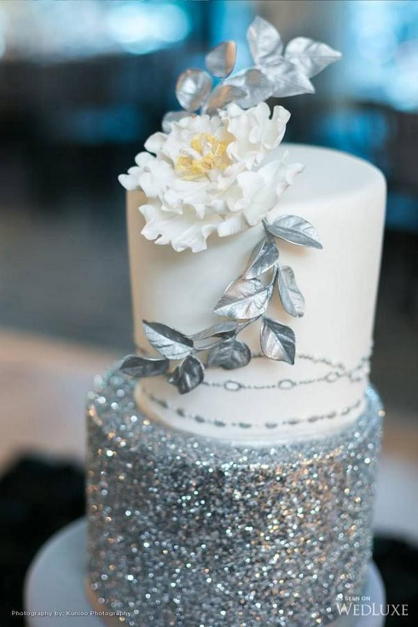 Silver And White Wedding Cake  25 Gorgeous Beautiful Wedding Cake Ideas