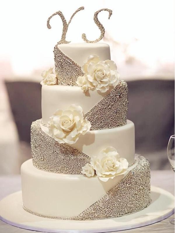 Silver And White Wedding Cake  20 Gorgeous Wedding Cakes That WOW