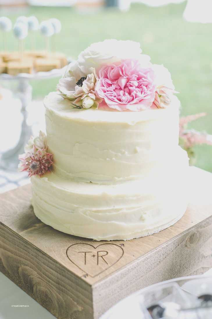 Simple 2 Tiered Wedding Cakes  Simple two tier wedding cake beautiful two tier