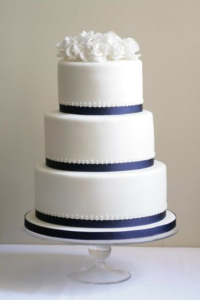 Simple 3 Tiered Wedding Cakes  25 best ideas about 3 Tier Wedding Cakes on Pinterest