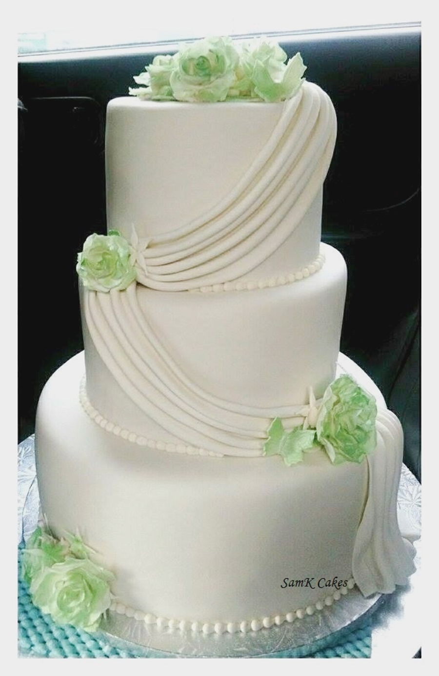 Simple 3 Tiered Wedding Cakes  Simple Elegant 3 Tier White And Green Wedding Cake