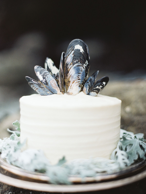 Simple Beach Wedding Cakes  15 Small Wedding Cake Ideas That Are Big on Style