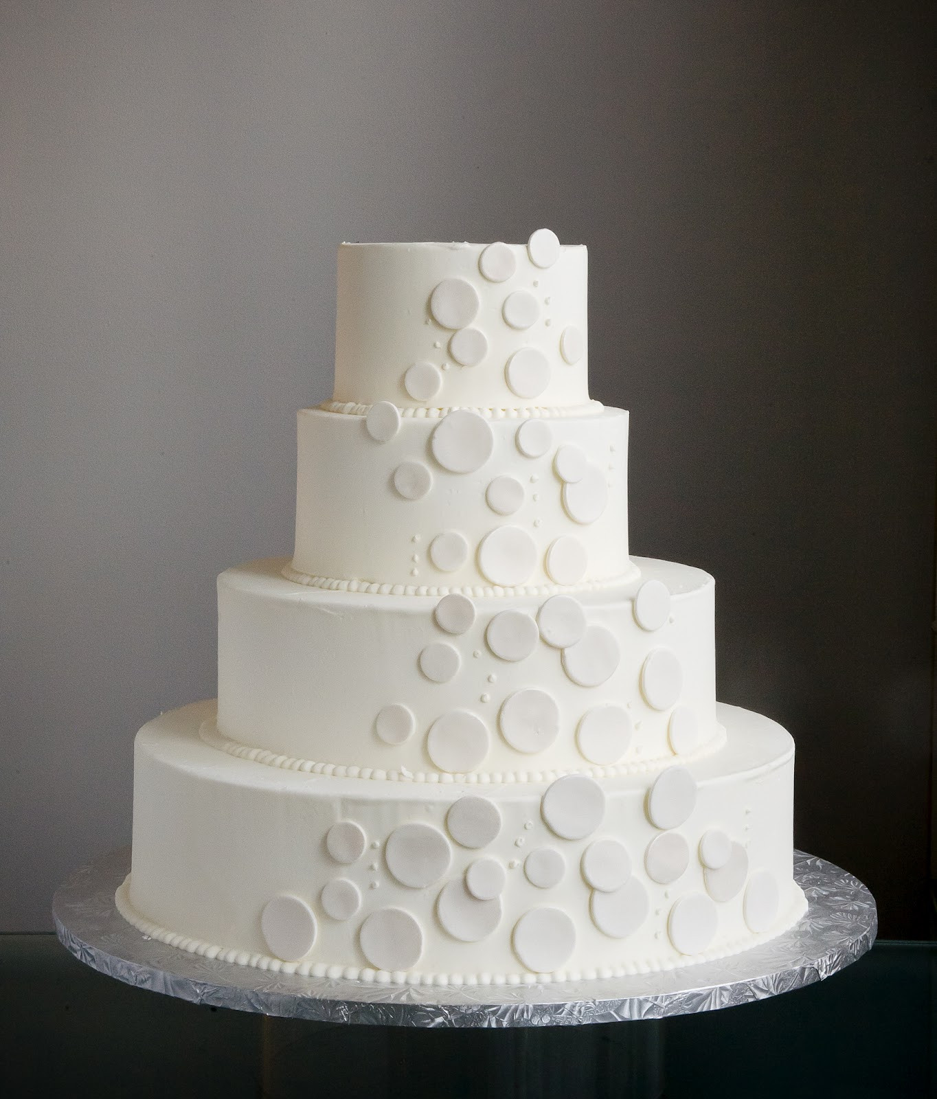 Simple Buttercream Wedding Cakes  A Simple Cake Buttercream or Fondant Which is Best For A
