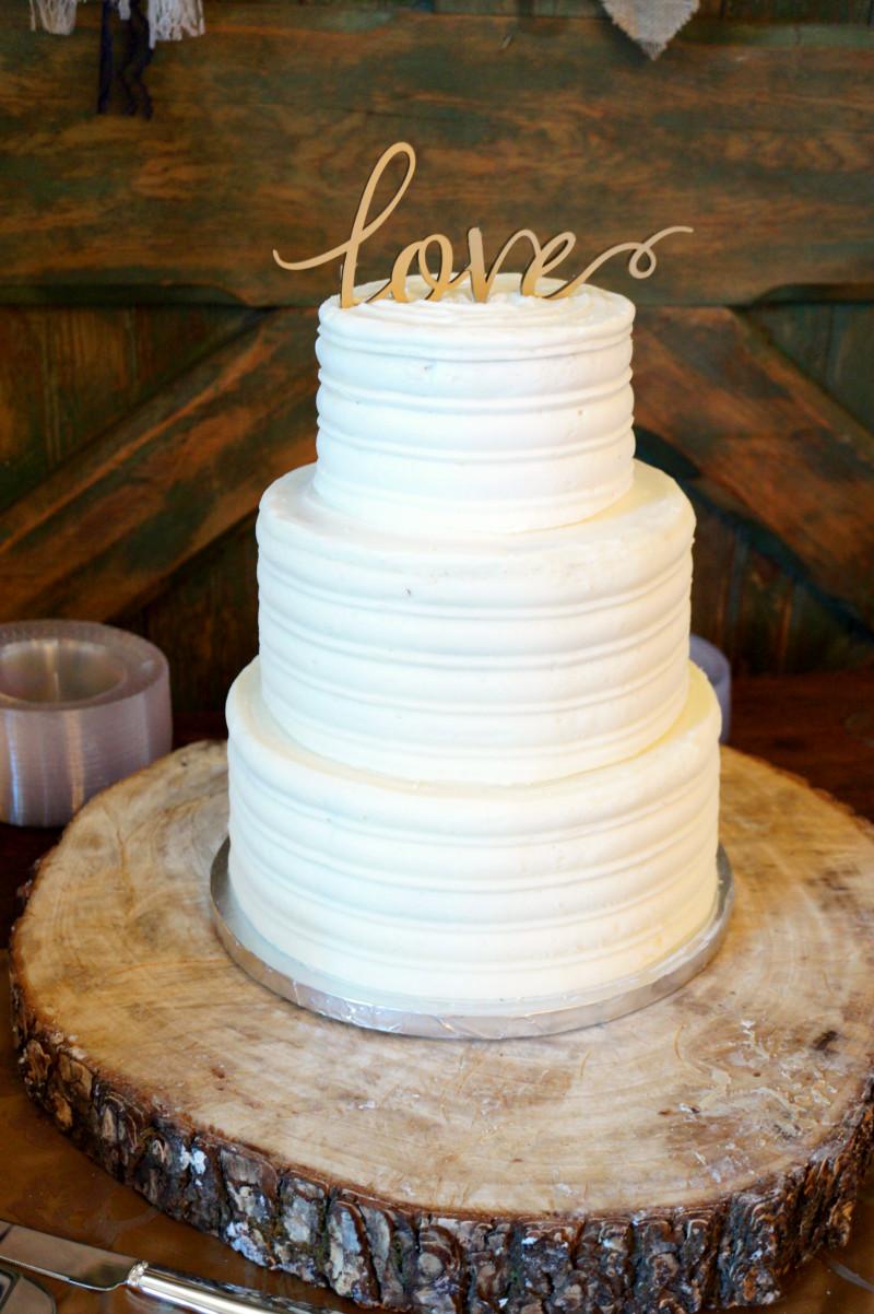 Simple Country Wedding Cakes  simple rustic wedding cake