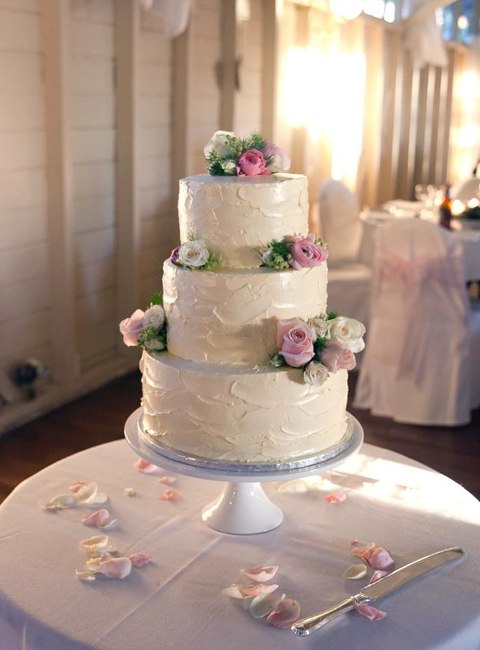 Simple Elegance Wedding Cakes  Simple elegant wedding cakes idea in 2017