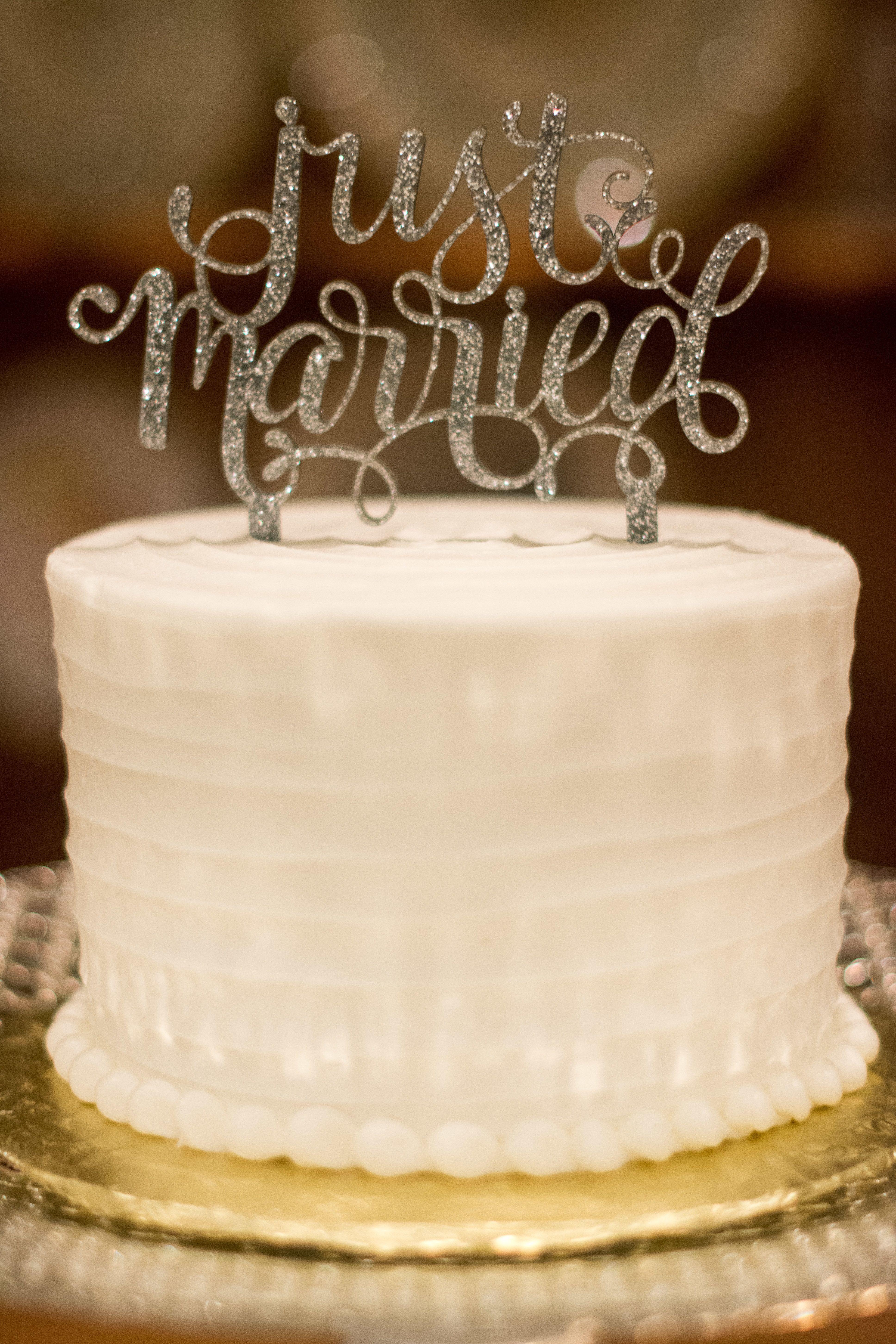 Simple One Tier Wedding Cakes  Simple Ivory Single Tier Wedding Cake