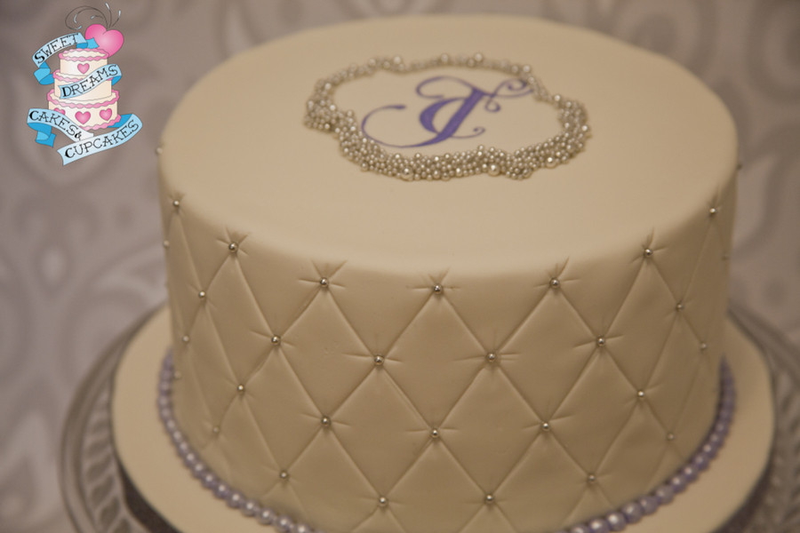 Simple One Tier Wedding Cakes  Sweet And Simple e Tier Wedding Cake Quilted Fondant