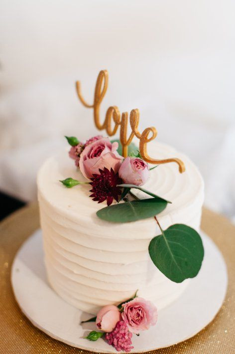 Simple One Tier Wedding Cakes  The 25 best e tier cake ideas on Pinterest