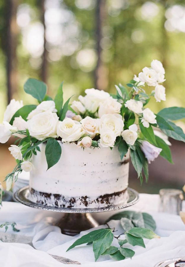 Simple One Tier Wedding Cakes  A layer of love single tier wedding cake