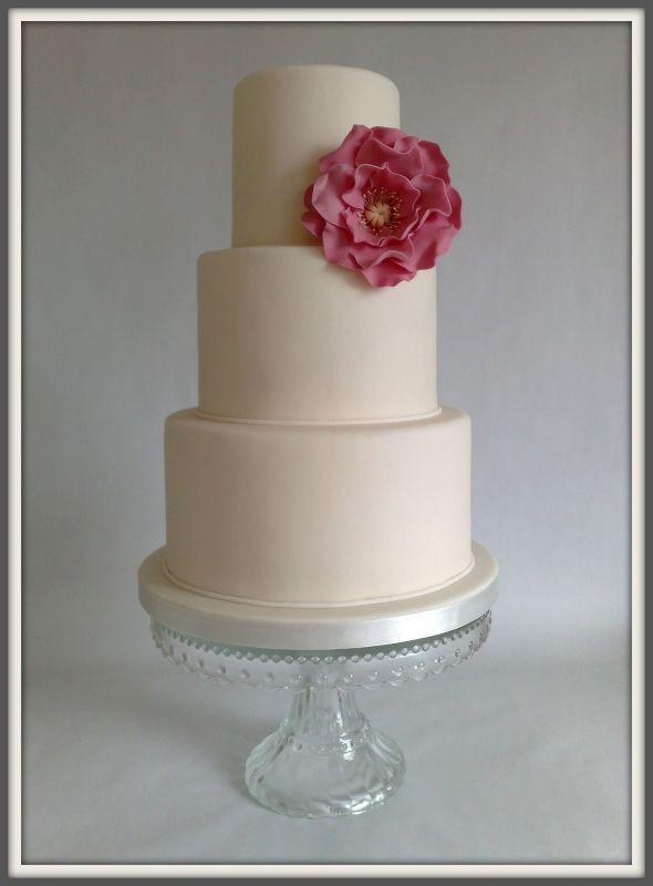 Simple Small Wedding Cakes  Small Wedding Cakes A Fun Wedding Cake Choice Ohh My My