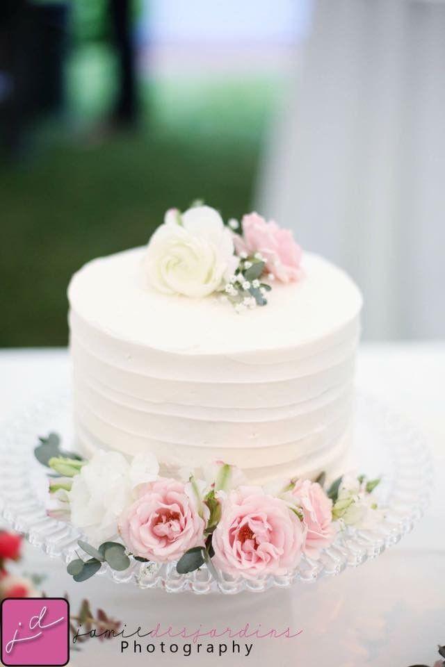 Simple Small Wedding Cakes  Best 25 Small wedding cakes ideas on Pinterest