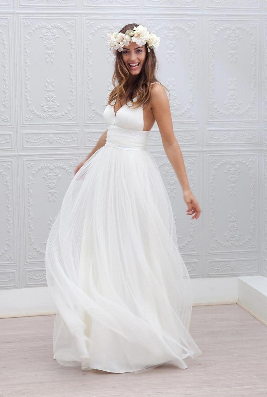 Simple Spaghetti Strap Wedding Dress  2015 Beach Wedding Dresses Cheap V Neck Spaghetti Strap