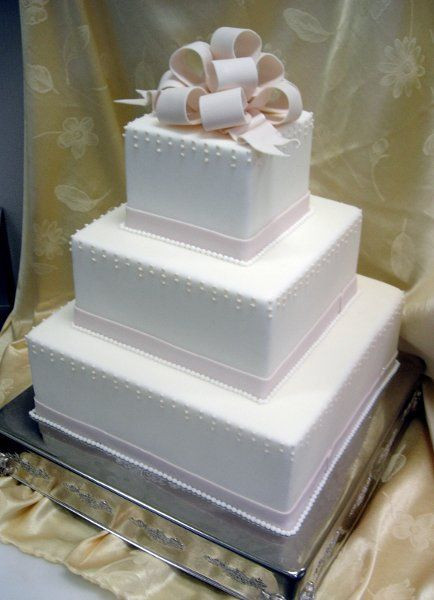 Simple Square Wedding Cakes  25 best ideas about Square Wedding Cakes on Pinterest