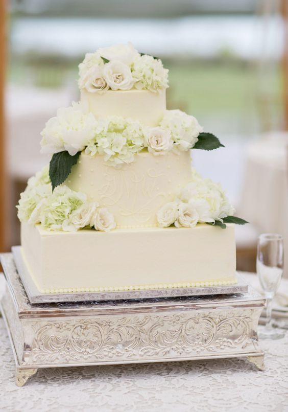 Simple Square Wedding Cakes  Best 25 Square shaped wedding cakes ideas on Pinterest