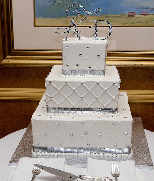 Simple Square Wedding Cakes  simple square wedding cakes Inspiring and Unique Square