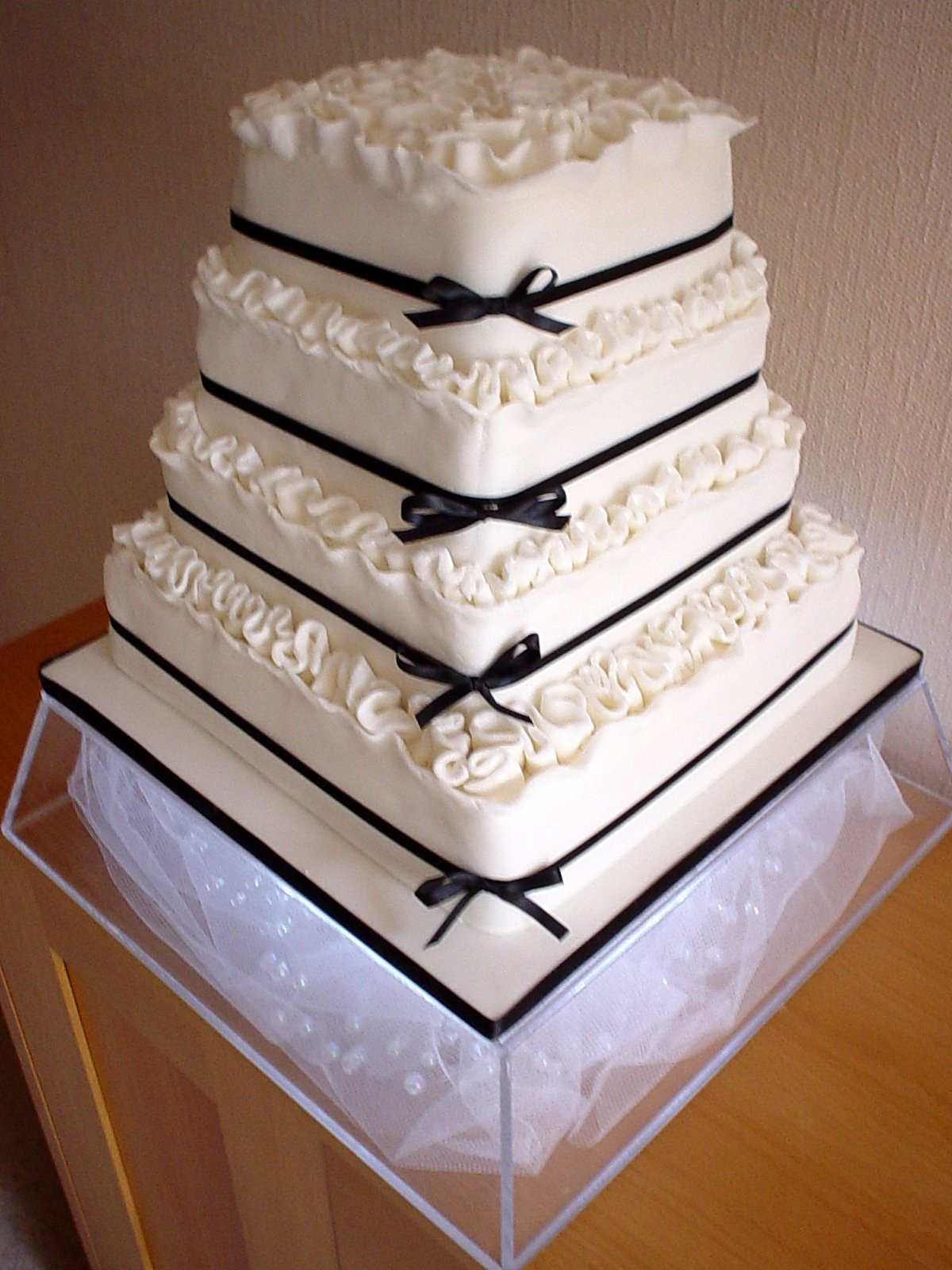 Simple Square Wedding Cakes  Simple Square Wedding Cakes