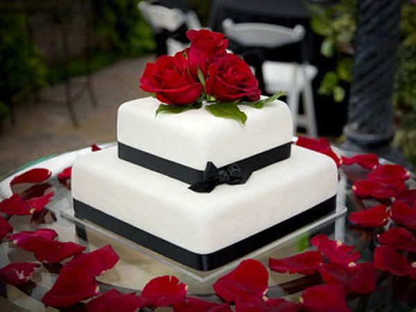 Simple Square Wedding Cakes  Wedding Cake Inspiration