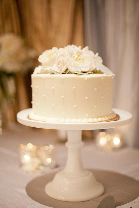 Simple Two Tier Wedding Cakes  simple one tier wedding cake