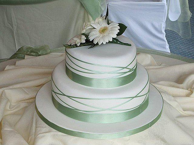 Simple Two Tier Wedding Cakes  Simple 2 Tier Wedding Cakes Best Ideas