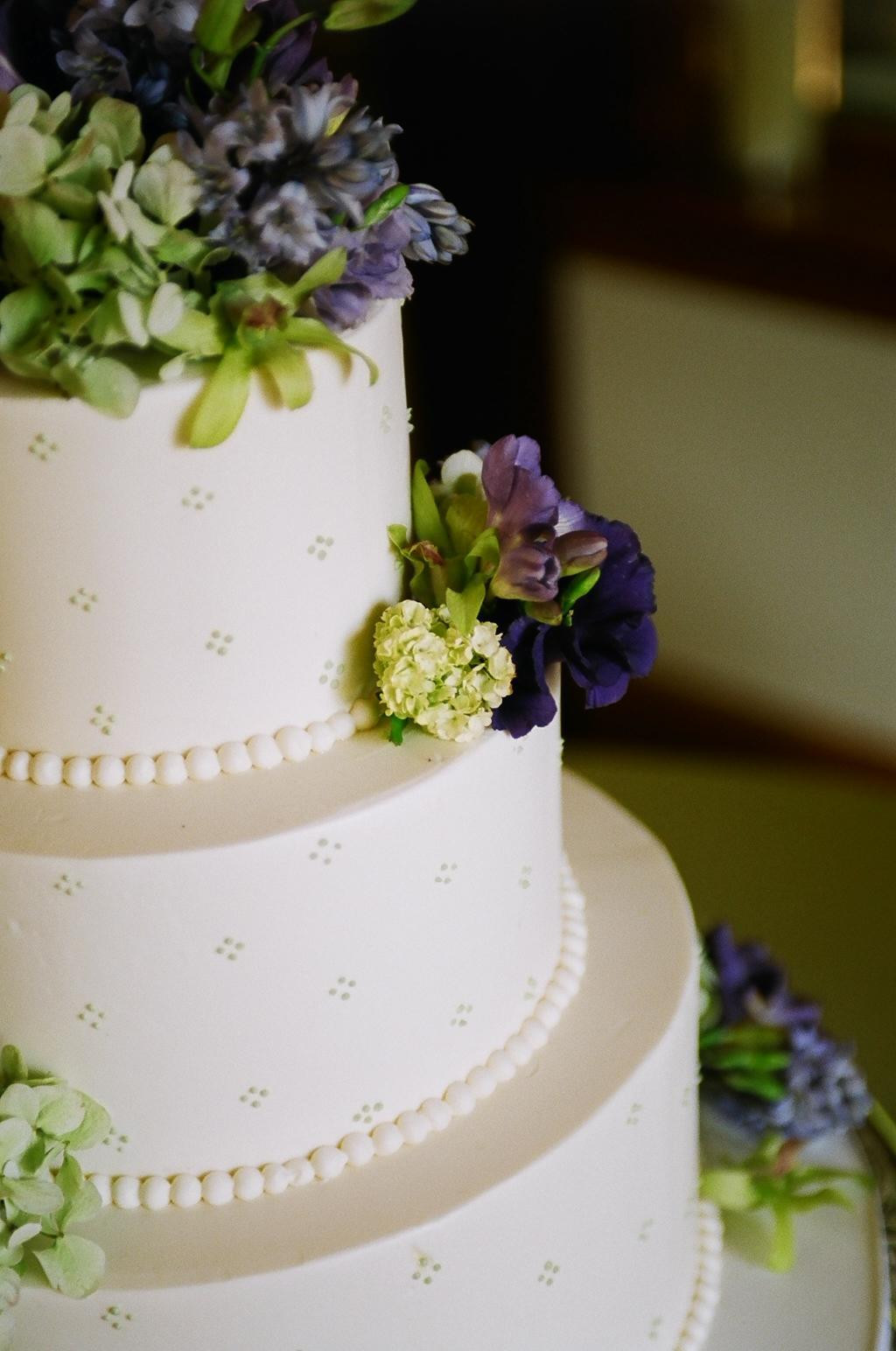 Simple Wedding Cakes Ideas  Best White Simple Wedding Cakes and Wallpapers