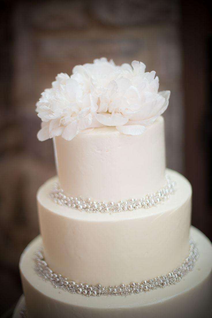 Simple Wedding Cakes Pinterest  25 best ideas about Small wedding cakes on Pinterest