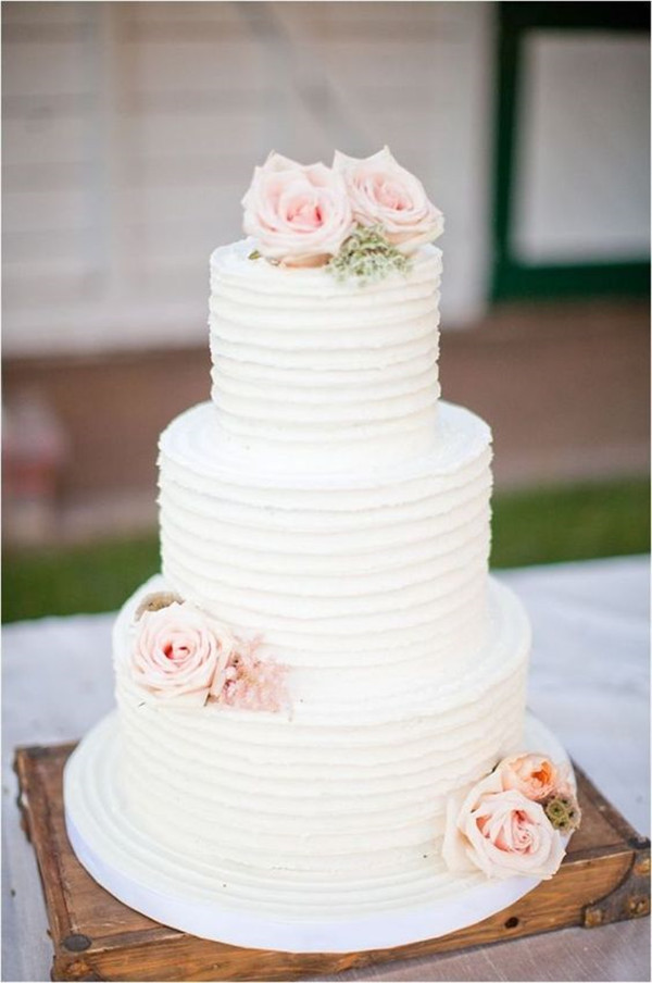 Simple Wedding Cakes With Flowers  40 Elegant and Simple White Wedding Cakes Ideas Page 3