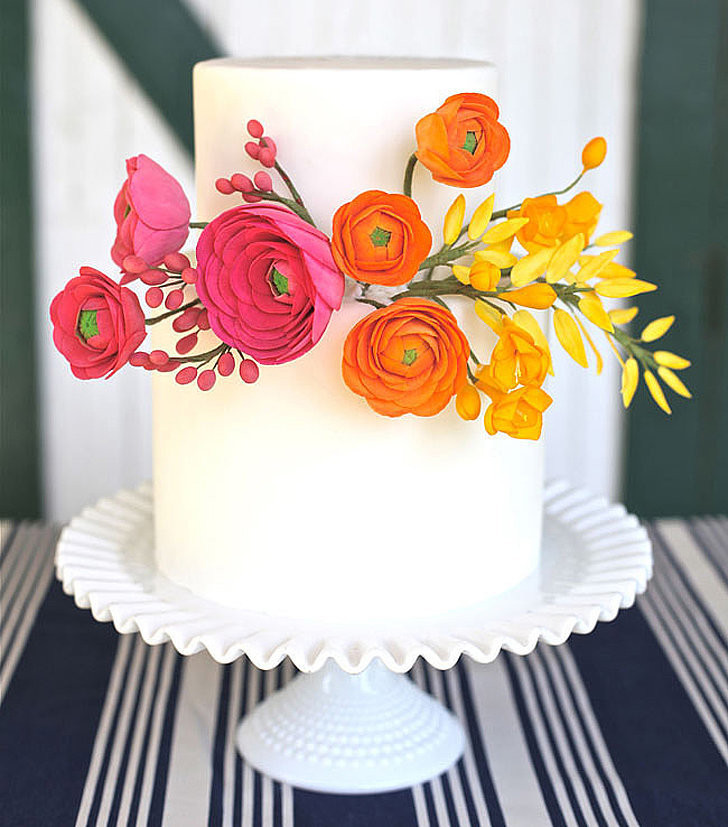 Simple Wedding Cakes With Flowers  Simple Wedding Cakes