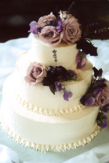 Simple Wedding Cakes With Flowers  Noriiiisk s De Litez Simple & Sweet Cupcakes & Wedding Cakes