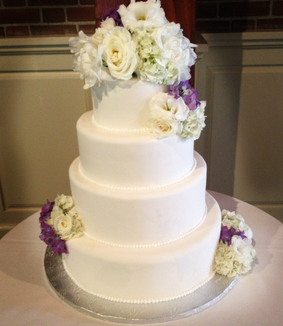 Simple Wedding Cakes With Flowers  A Simple Cake Fresh Flowers For Your Wedding Cake