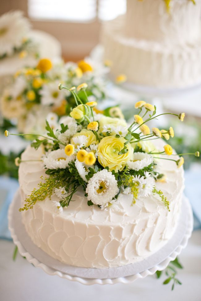 Simple Wedding Cakes With Flowers  50 Wildflowers Wedding Ideas for Rustic Boho Weddings