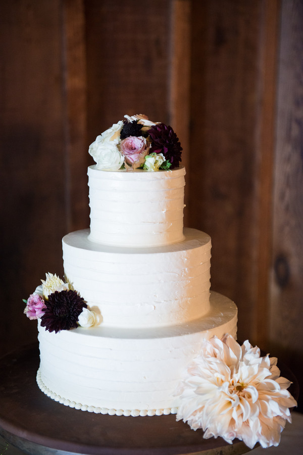 Simple Wedding Cakes With Flowers  Simple Wedding Cake With Fresh Flowers Elizabeth Anne