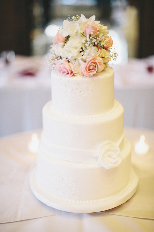 Simple Wedding Cakes With Flowers  Fresh Flowers on Wedding Cake Archives Mother of the Bride