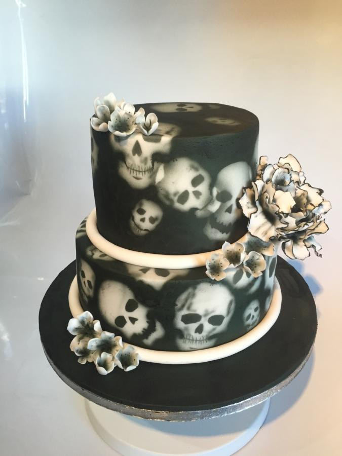 Skull Wedding Cakes  Skull and flowers wedding cake cake by Maria Louise