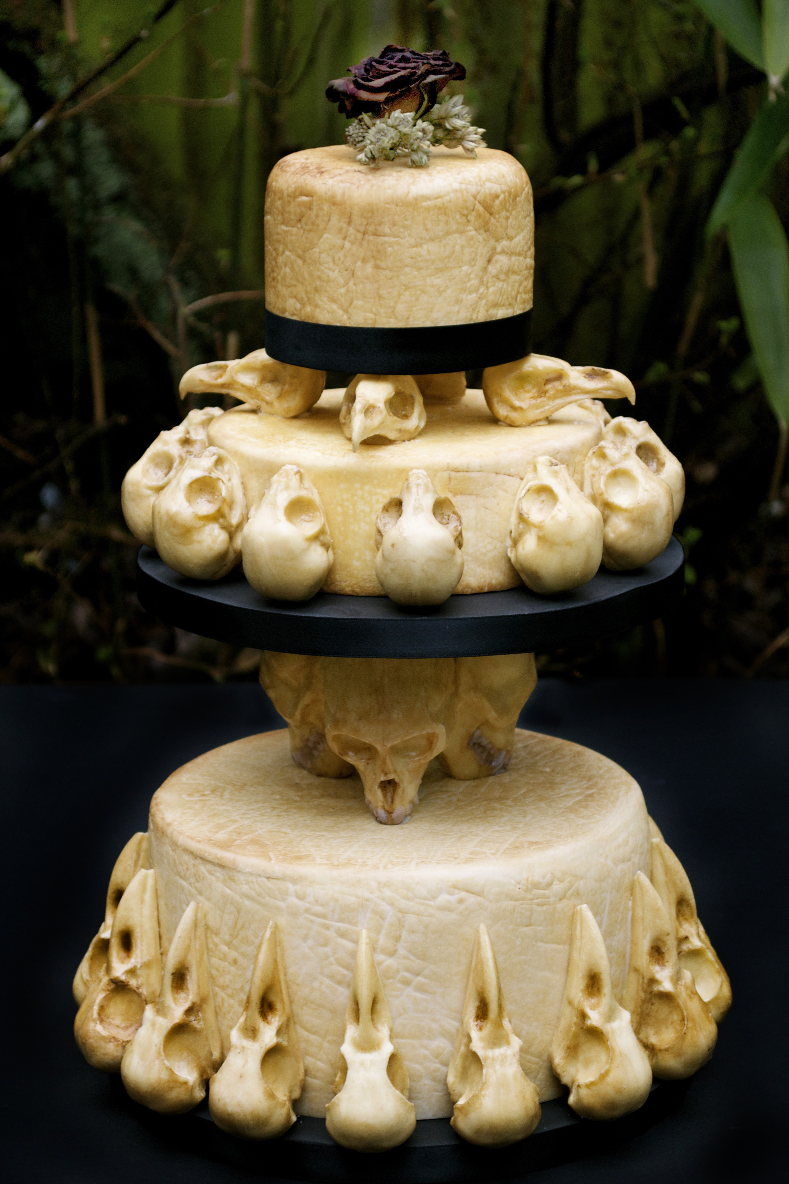 Skull Wedding Cakes  alternative – Eat Your Heart Out