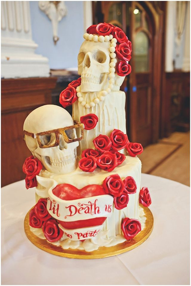 Skull Wedding Cakes  54 best images about Wedding Cakes on Pinterest
