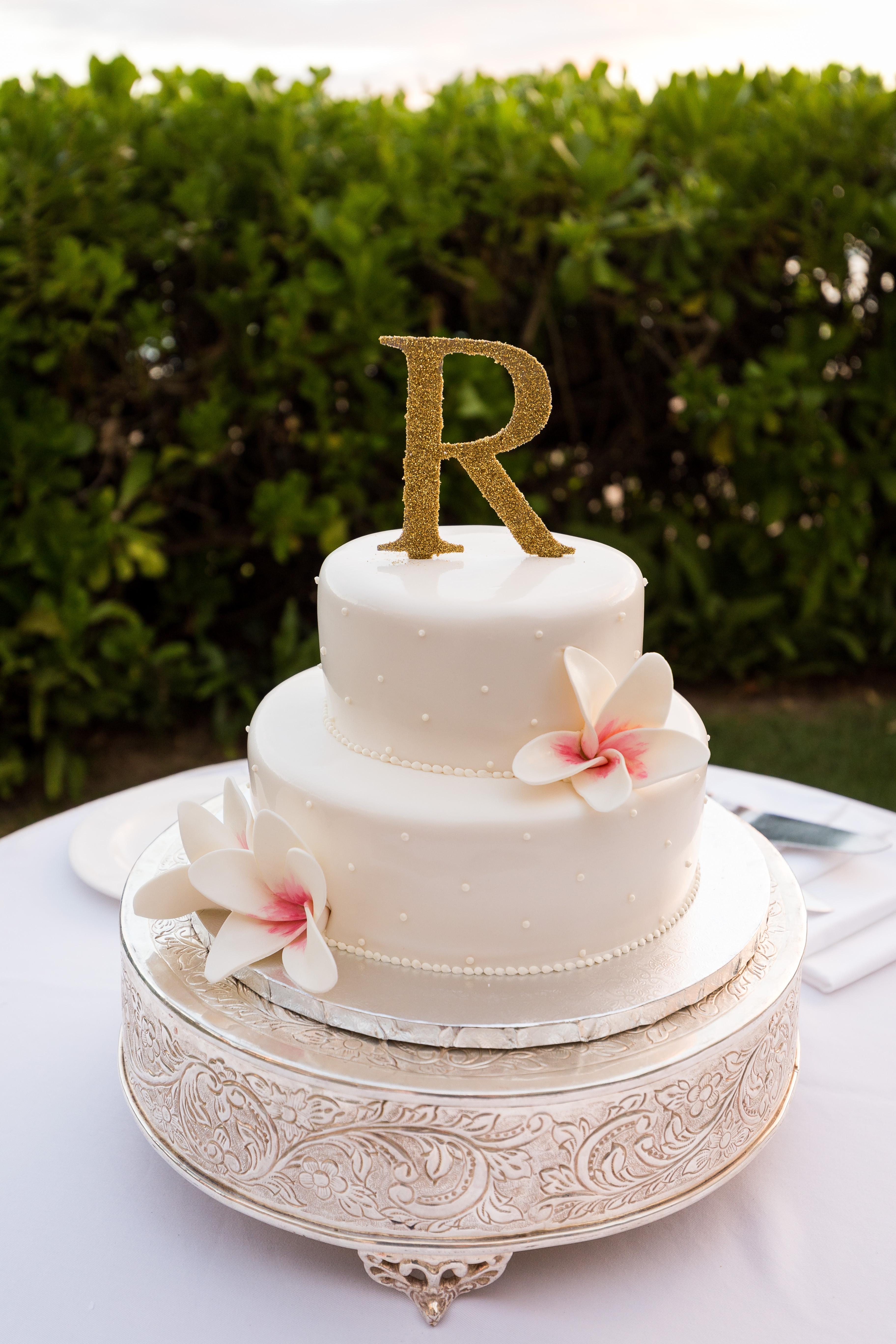Small 2 Tier Wedding Cakes  2 Tier Wedding Cake Stand